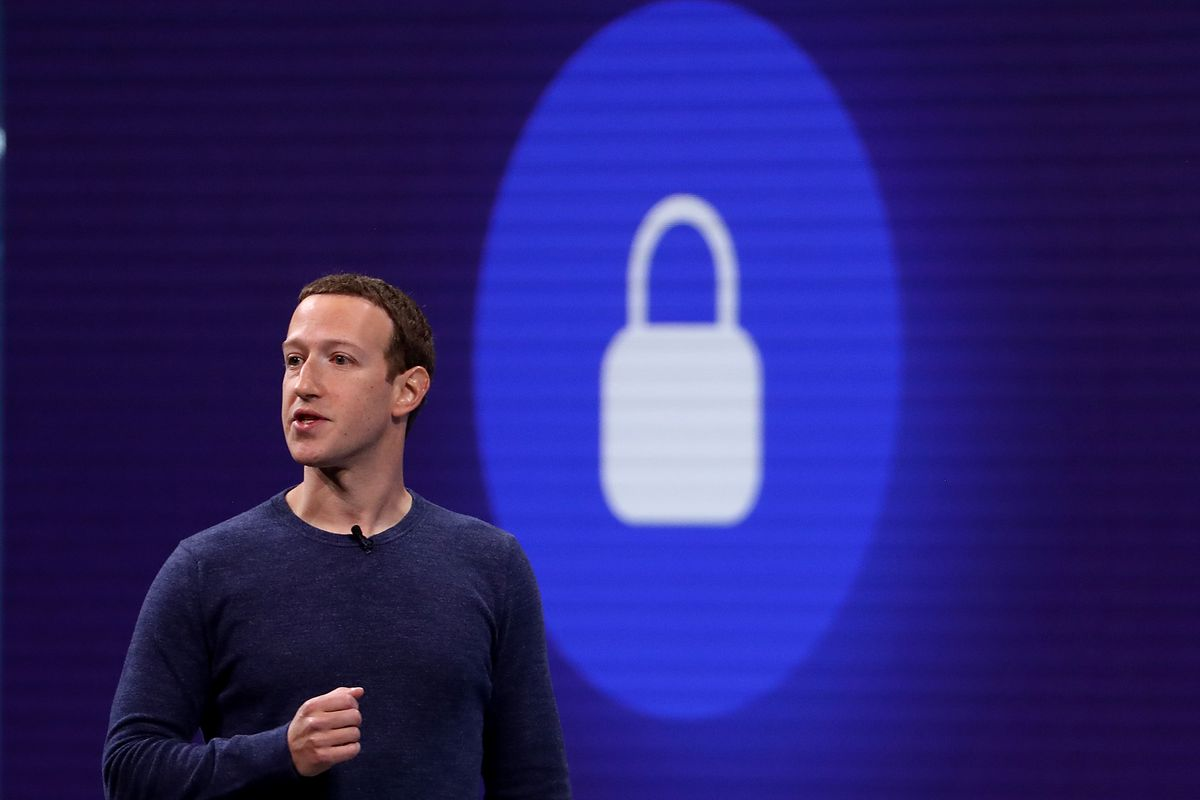 Facebook and Twitter information exposed through third party software