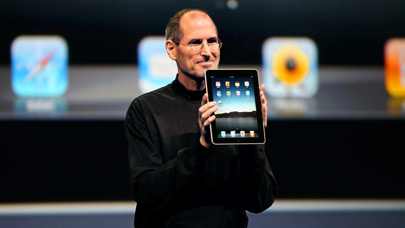 Steve Jobs planned to insert Intel chips in iPad and iPhone before going in-house