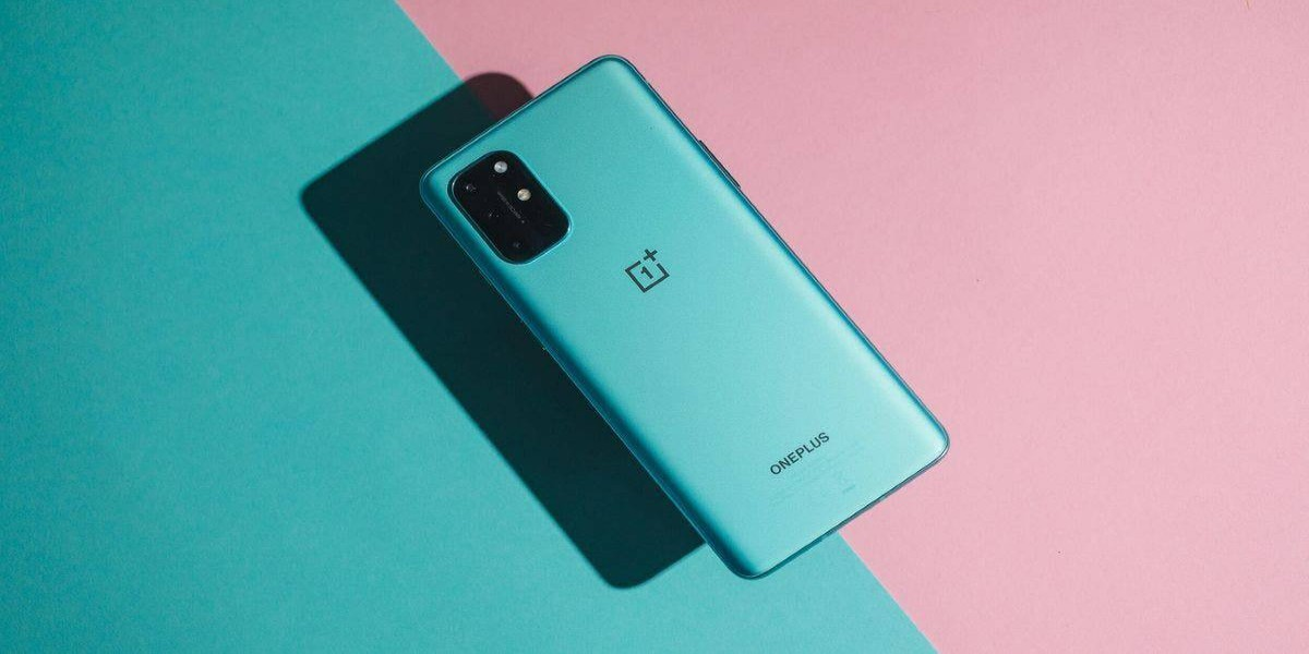 OnePlus 9 render surfaces online showing off the flat display and triple rear camera design
